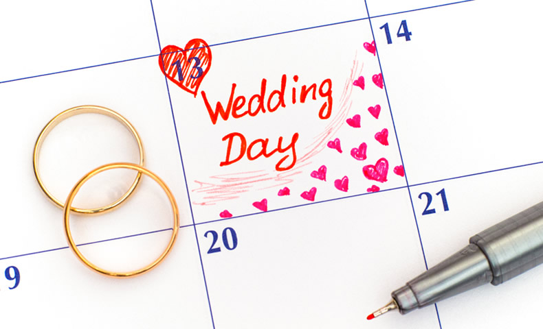 結婚の日をマークしたカレンダー