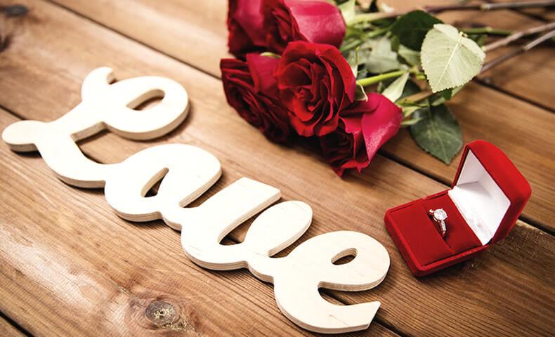 バラと指輪のプレゼント