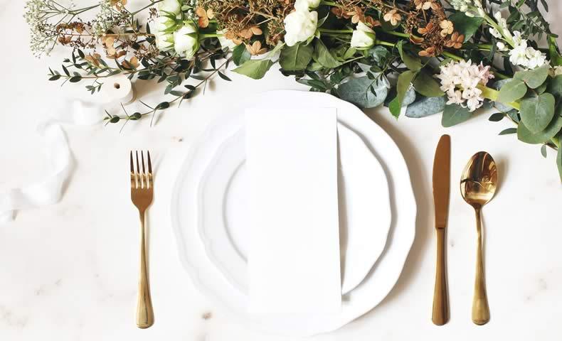 お皿とお花